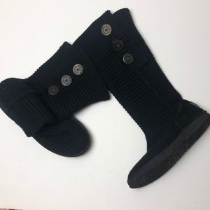 UGGS 9  sweater knit boot